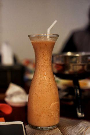 Foto 7 - Makanan(Strawberry Yoghurt) di Braga Permai oleh Fadhlur Rohman