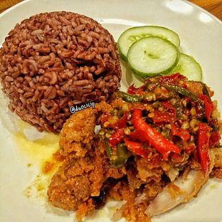 Foto 2 - Makanan(Ayam Geprek Sambal Korslet) di Sambal Khas Karmila oleh felita [@duocicip]