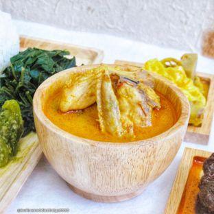 Foto 3 - Makanan di RM Kapau Jaya oleh Kuliner Addict Bandung