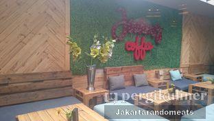 Foto 6 - Interior di Journey Coffee oleh Jakartarandomeats