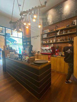 Foto 17 - Interior di Bruins Coffee oleh Levina JV (IG : @levina_eat & @levinajv)