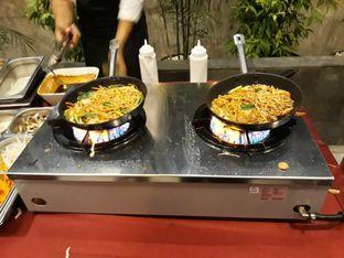 Foto review Asoka Rooftop Restaurant - Aston Kartika Grogol Hotel & Conference Center oleh Dani Allamsyah 3