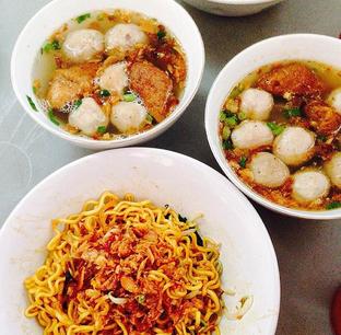 Foto - Makanan di Bakso Pa'de Jangkung oleh RI 347 | Rihana & Ismail