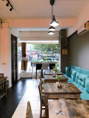 Foto 9 - Interior di PLUIE Cafe & Resto oleh yudistira ishak abrar