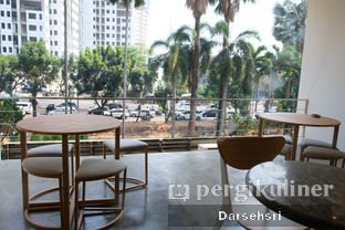 Foto 7 - Interior di Aiko Coffee oleh Darsehsri Handayani