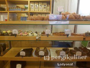 Foto 10 - Interior di Mom's Artisan Bakery oleh Ladyonaf @placetogoandeat