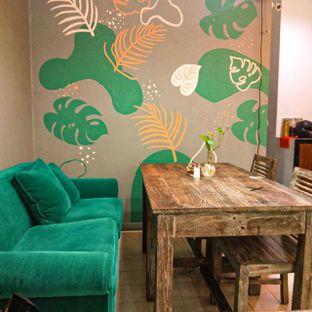 Foto 10 - Interior di PLUIE Cafe & Resto oleh duocicip