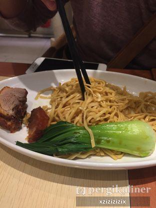 Foto 3 - Makanan(Mie dengan Bebek Panggang) di Imperial Kitchen & Dimsum oleh zizi