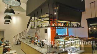 Foto 5 - Interior di Coffeedential Roastery & Dessert oleh Erosuke @_erosuke