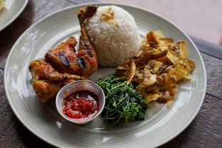 Foto 9 - Makanan(Honey Grilled Chicken) di Wild Grass oleh Fadhlur Rohman
