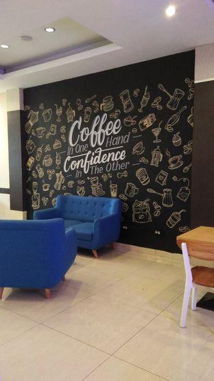 Foto 1 - Interior di Meet n Work Coffee & Eatery oleh Review Dika & Opik (@go2dika)