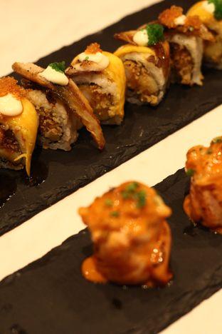 Foto 4 - Makanan di Kura Sushi oleh thehandsofcuisine