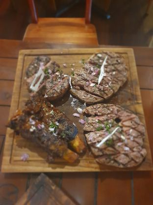 Foto 3 - Makanan(sirloin, tenderloin, ribs and rib eye) di Dandy's Steak and Coffee House oleh Fika Sutanto