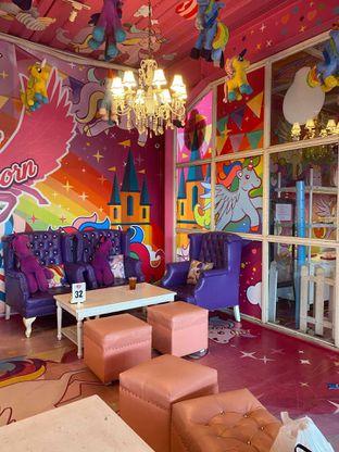 Foto 10 - Interior di Miss Unicorn oleh Jeljel