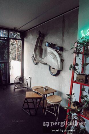 Foto 4 - Interior di Kona Koffie & Eatery oleh Kintan & Revy @worthyourvisit