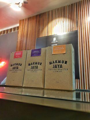 Foto 3 - Interior di Makmur Jaya Coffee Roaster oleh Widya WeDe ||My Youtube: widya wede