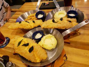 Foto 1 - Makanan di Fish & Co. oleh Theodora