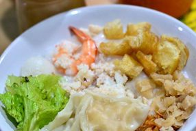 Foto Bubur Dan Bakmie Kepiting Hokie