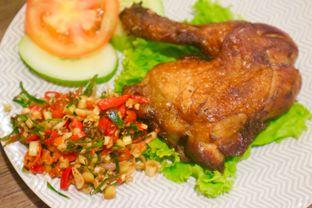 Foto 4 - Makanan(Ayam Goreng Sambal Matah) di Roemah Kanara oleh Levina JV (IG : levina_eat )