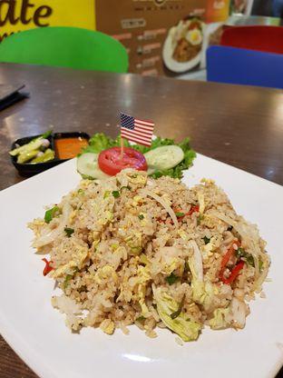 Foto 1 - Makanan(Nasgor Ayam Lada Hitam) di Nasi Goreng Diplomat oleh Clara Yunita