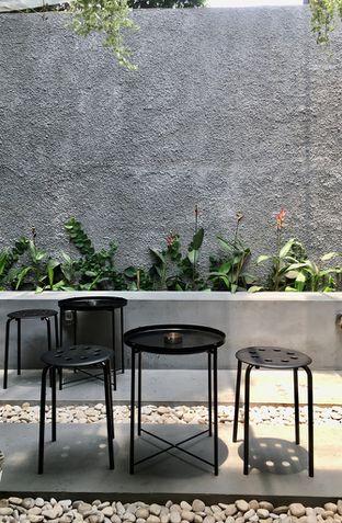 Foto 8 - Interior di Saksama Coffee oleh Prido ZH