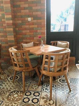 Foto 7 - Interior di Kode-in Coffee & Eatery oleh Prido ZH