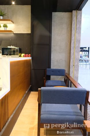 Foto 11 - Interior di Blue Lane Coffee oleh Darsehsri Handayani