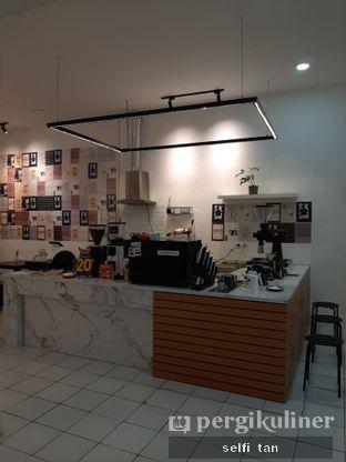 Foto 3 - Interior di Saksama Coffee oleh Selfi Tan