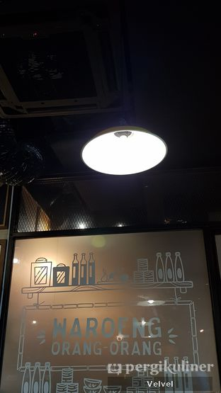 Foto 2 - Interior di The People's Cafe oleh Velvel
