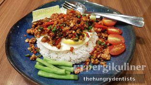 Foto 1 - Makanan(Chicken Ga Praw ) di Thai Street oleh Rineth Audry Piter Laper Terus