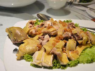 Foto 5 - Makanan(Ayam Rebus) di Central Restaurant oleh IG: FOODIOZ