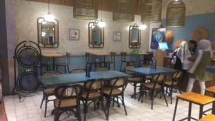 Foto 3 - Interior di Lurik Coffee & Kitchen oleh Renodaneswara @caesarinodswr