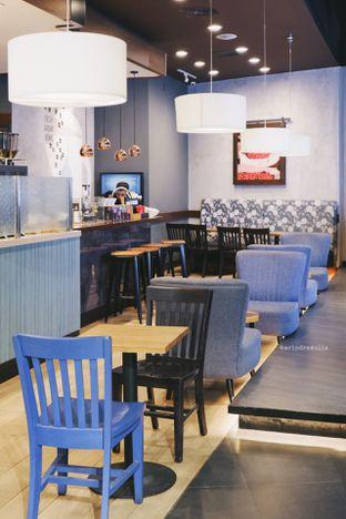 Foto 7 - Interior di Caribou Coffee oleh Indra Mulia