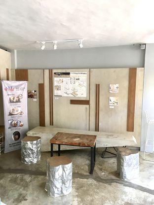Foto 9 - Interior di Artwork Coffee Space oleh Prido ZH