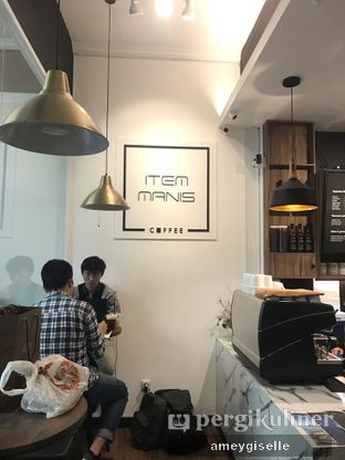 Foto 5 - Interior di Item Manis Coffee oleh Hungry Mommy