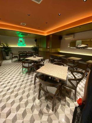 Foto 19 - Interior di Yoloe Cafe and Resto oleh Riani Rin