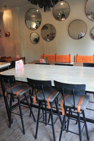 Foto 3 - Interior di Burns Cafe oleh Prido ZH