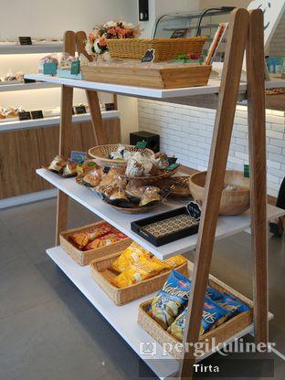 Foto 36 - Interior di Rokue Snack oleh Tirta Lie