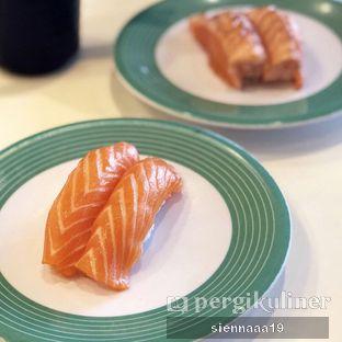 Foto 1 - Makanan(Salmon Sushi) di Sushi Go! oleh Sienna Paramitha
