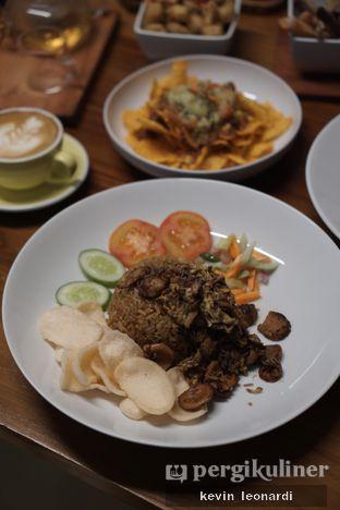 Foto review Komune Cafe oleh Kevin Leonardi @makancengli 6