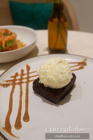 Foto 4 - Makanan(Warm Nutella Brownies with Vanilla Ice Cream) di Lula Kitchen & Coffee oleh Shella Anastasia
