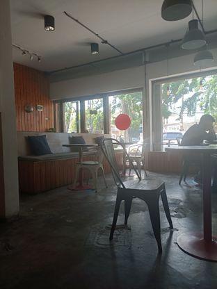 Foto 10 - Interior di Ruang Temu Coffee & Eatery oleh Fensi Safan