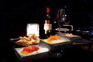 Foto - Makanan(Nikkei Menu, Red Wine) di Henshin - The Westin Jakarta oleh Melisa Cubbie
