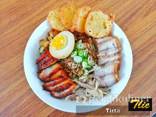 Foto review Huang Noodle Bar oleh Tirta Lie 1