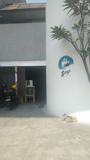 Foto 1 - Eksterior di Sunyi House of Coffee and Hope oleh Joshua Theo
