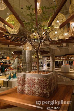 Foto 7 - Interior di Lumine Cafe oleh Darsehsri Handayani
