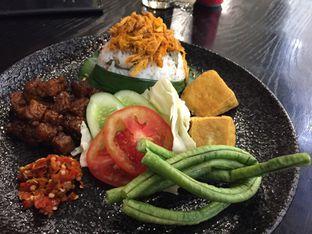Foto 1 - Makanan di Putu Made oleh Yohanacandra (@kulinerkapandiet)