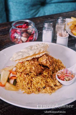 Foto 2 - Makanan(Nasi Biryani) di PLUIE Cafe & Resto oleh Shella Anastasia