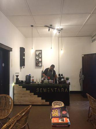 Foto Interior di Sementara Coffee