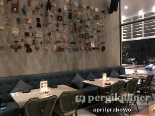 Foto 7 - Interior di Lalla Restaurant oleh Cubi